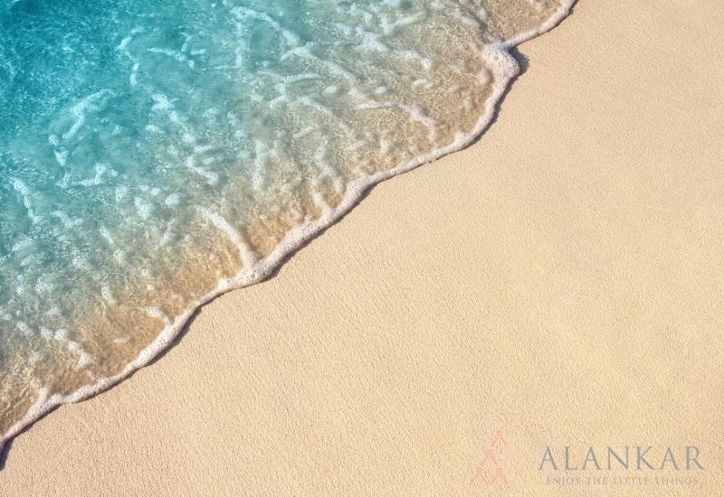 海 砂浜 波打ち際